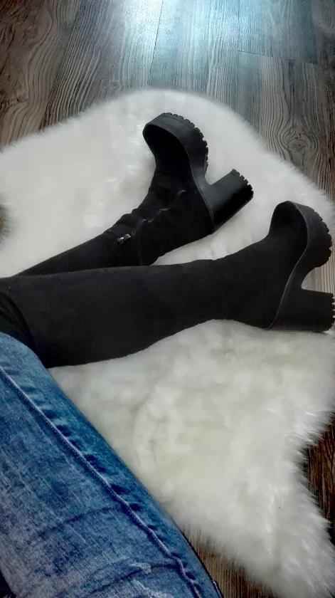 Cizmy nad kolena na hrubom podpatku