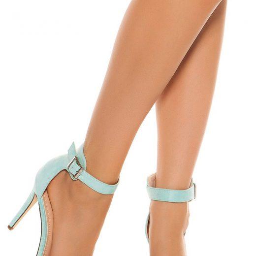 Sandale na podpatku matovej farby