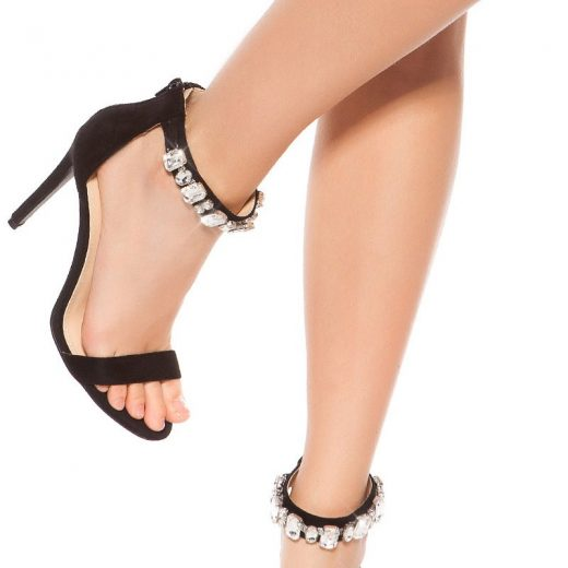 Cierne sandale s kamienkami