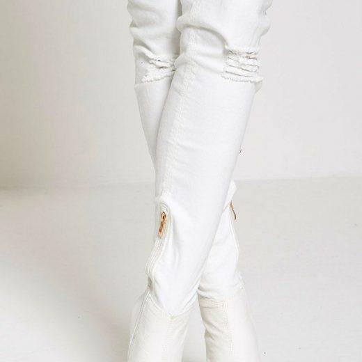Biele riflove cizmy nad kolena
